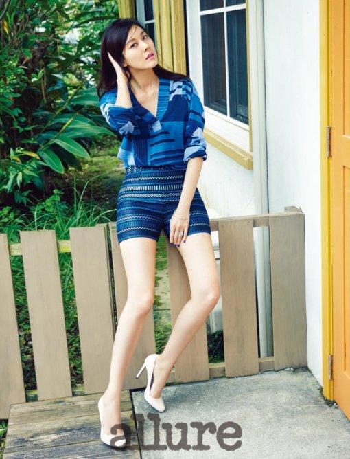 Kim Ha Neul for Allure 1