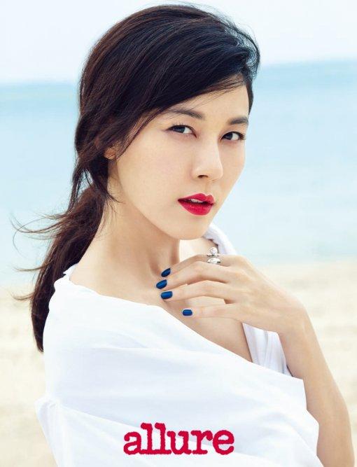 Kim Ha Neul for Allure 2