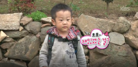 Lee Seo Jun Stays Behind to Clean Up the Mess He and His Brother Made on Superman Returns 2