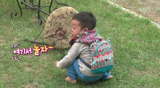 Lee Seo Jun Stays Behind to Clean Up the Mess He and His Brother Made on Superman Returns 7