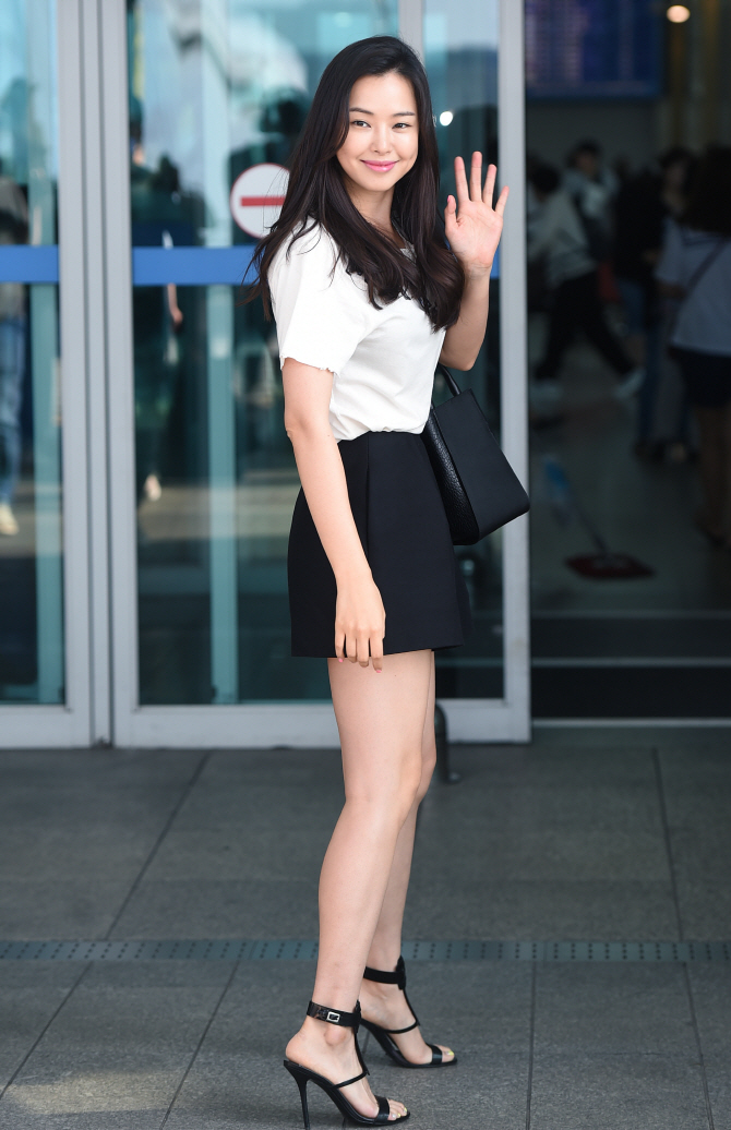 honey lee airport 2