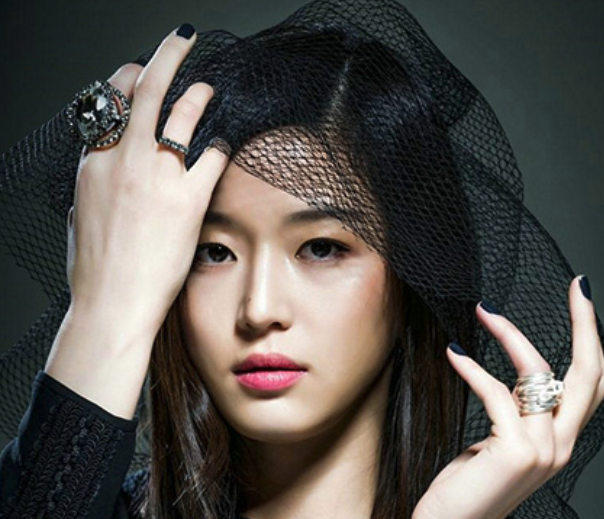 Jun Ji Hyun-bk hat