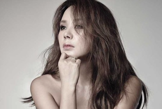 Uhm Jung Hwa-hair down