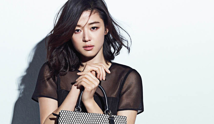 jun ji hyun-with purse