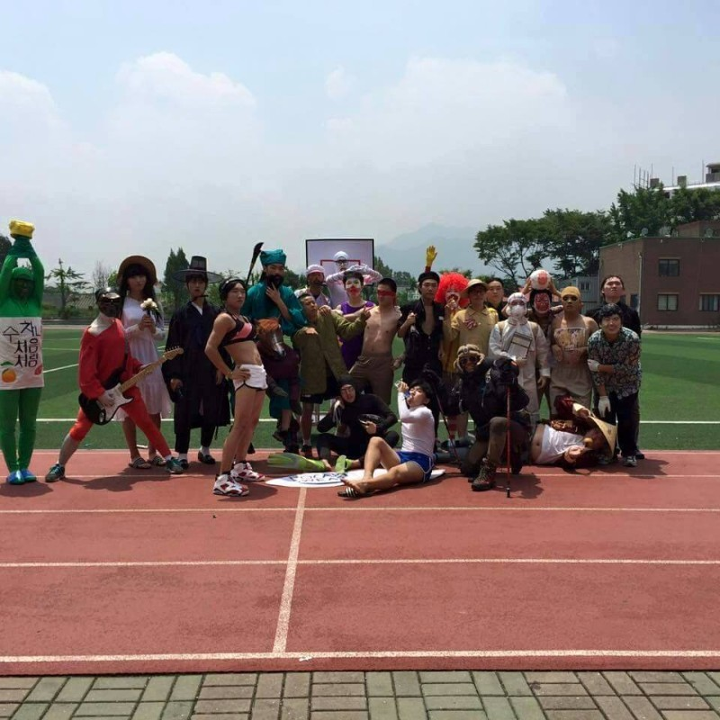 Uijeongbu High Graduation Photos Go Viral: Students Parody Kim So Hyun, Jurassic World, and More