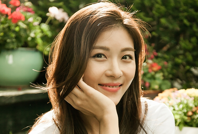 ha ji won-smiling