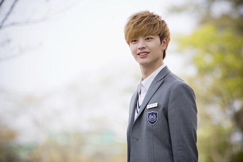"""BTOB's Yook Sungjae Reported to Be the New MC of """"Inkigayo"""