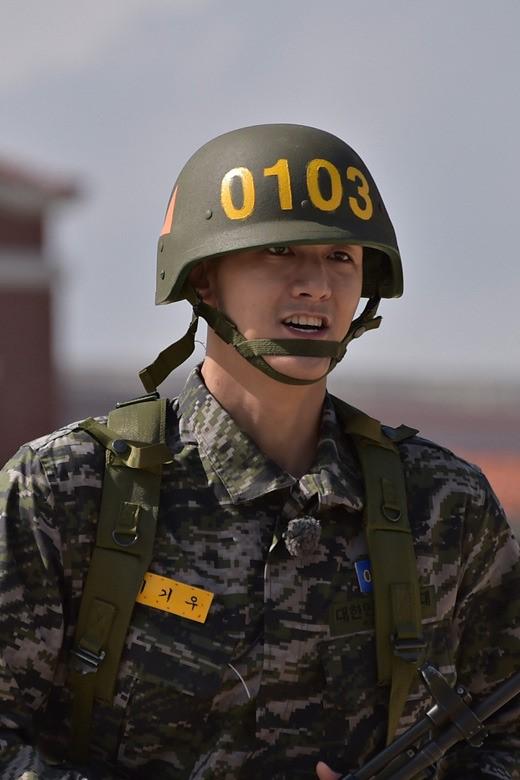 real men - marine 4