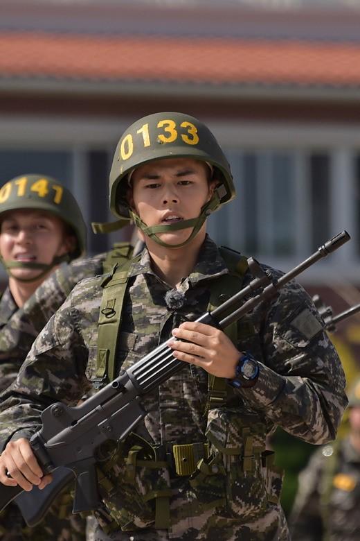 real men - marine 6