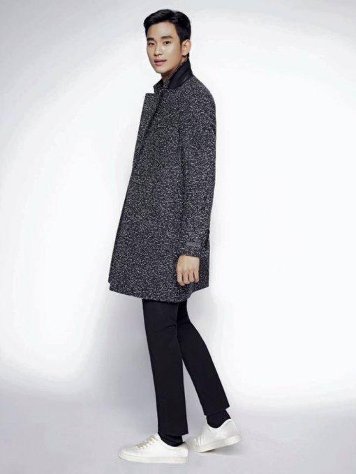 kim soo hyun keeps warm yet stylish in recent fashion