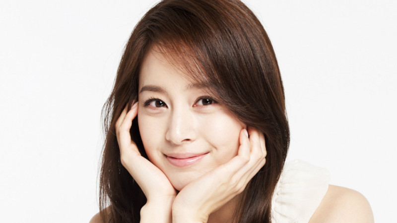 Kim Tae Hee's Involvement with Youth Hope Fund Charity Revealed ...