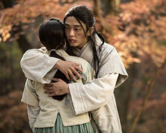 yoo ah in-shin se kyung-feature