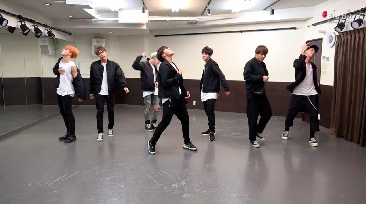bts run dance