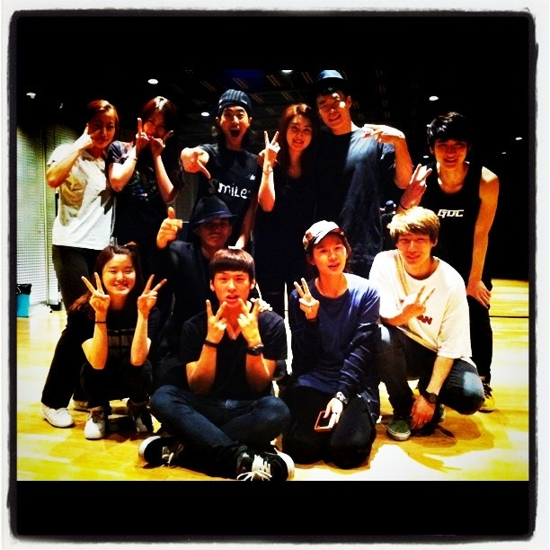 YG Dancers group photo