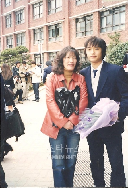 Simon D in high school